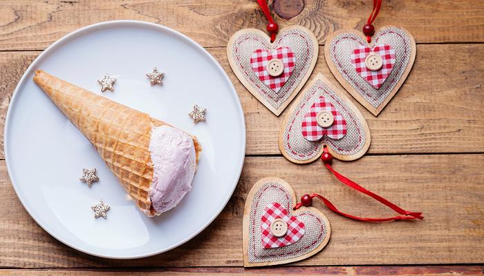 kisin-dondurma-yemegi-sevenler-buraya-elmali-dondurma-tarifi_2